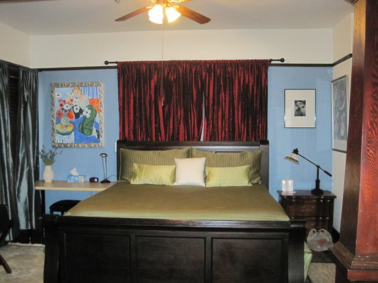 Mudville Flats: Bedroom