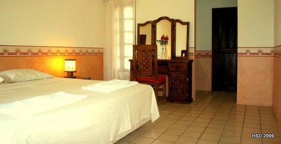Romantic Hotel Santo Domingo: Comfort room Hennequen