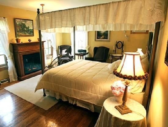 Brambleberry Bed & Breakfast: The English Country room is one of four bedrooms at Brambleberry Bed and Breakfast.