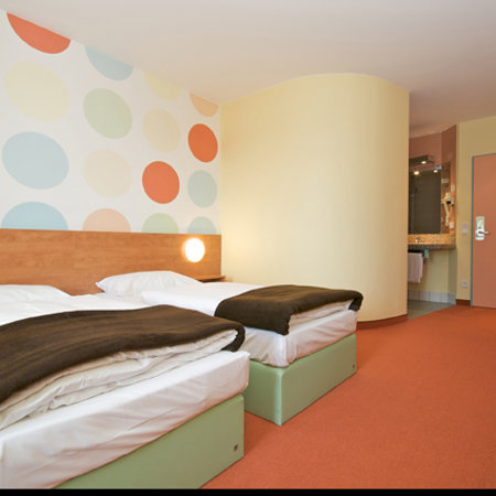 , : Zweibettzimmer B&amp;B Hotel Holledau