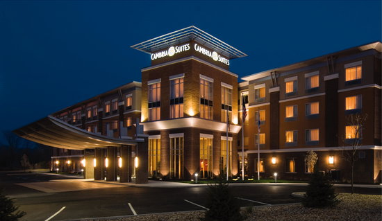 Cambria Suites Raleigh-Durham Airport: Cambria Suites at Night