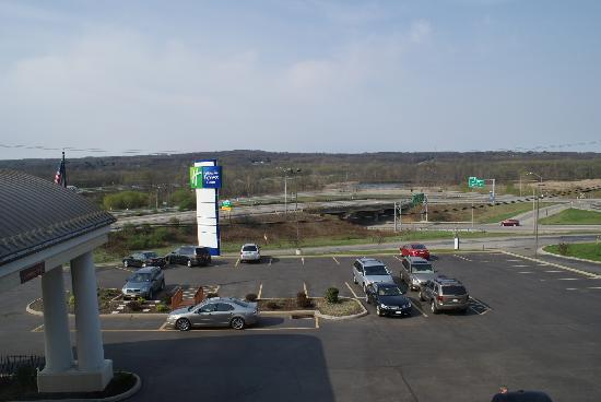 Holiday Inn Express Sharon/Hermitage: View out of our window.