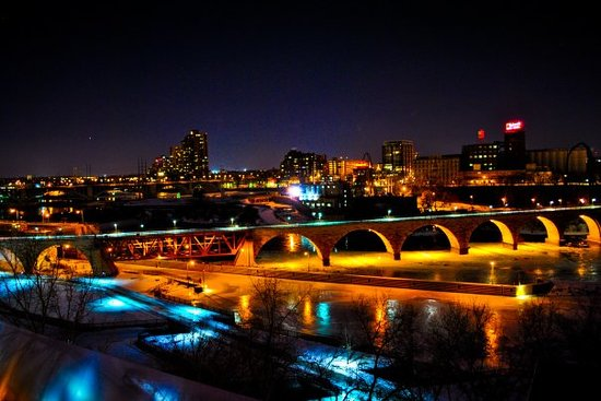 Minneapolis, Minnesota: DOWN TOWN View
