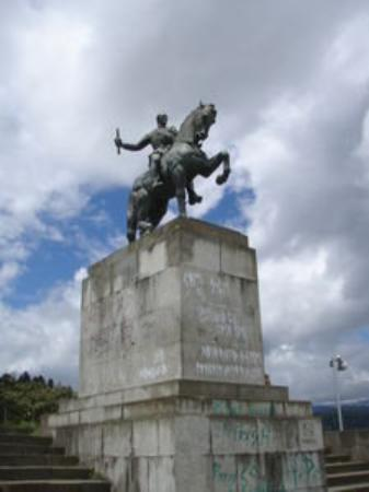 Popayan, Colombia: Estatua de Belalcazar