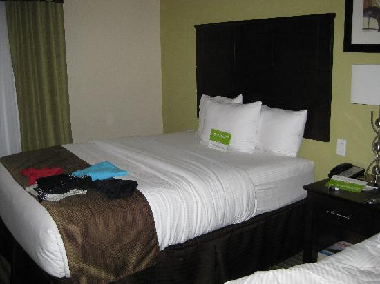La Quinta Inn &amp; Suites Horn Lake / Southaven Area: Beds
