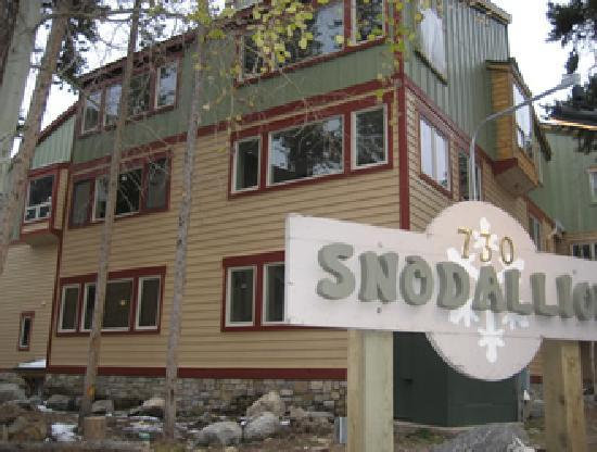 Snodallion Condominiums: Downtown is only 1 block away.