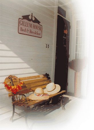 Gillum House Bed & Breakfast: Relax on our porch