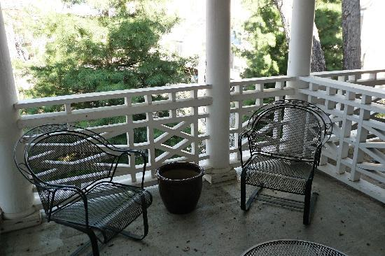 Southmoreland on the Plaza: Our Balcony