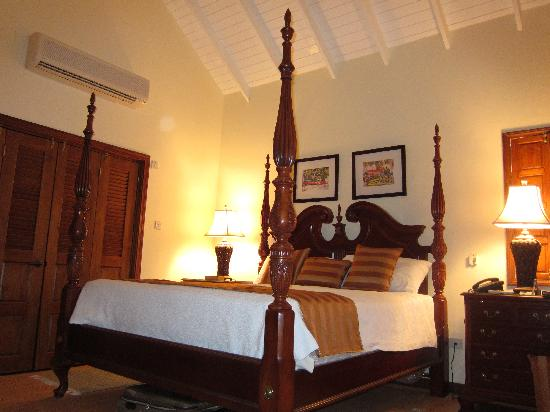 Bedroom at Villa Beach Cottages