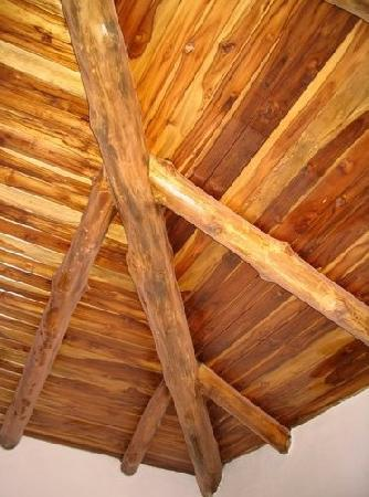 Villas Boheme Chic: Solid teak wooden ceilings