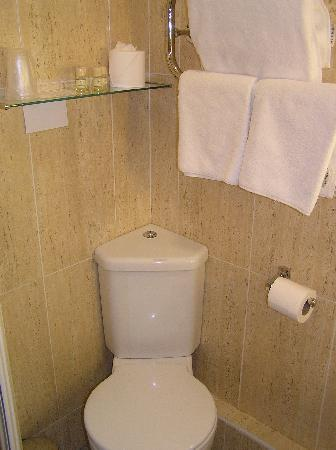 Modern Small Toilet Shower Room Picture Of Longmynd