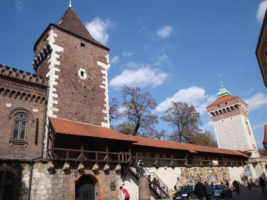 Krakow, Polandia: city walls