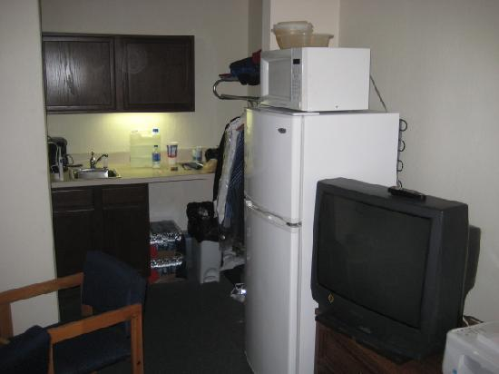 Bluegrass Extended Stay Hotel: Fully equipped room incl. fridge, TV, microwave