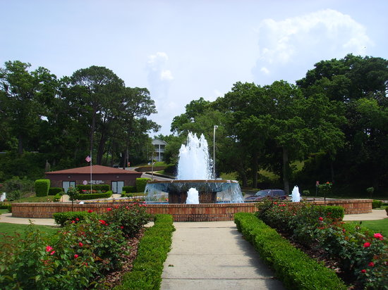 Fairhope, AL: Beautiful gardens
