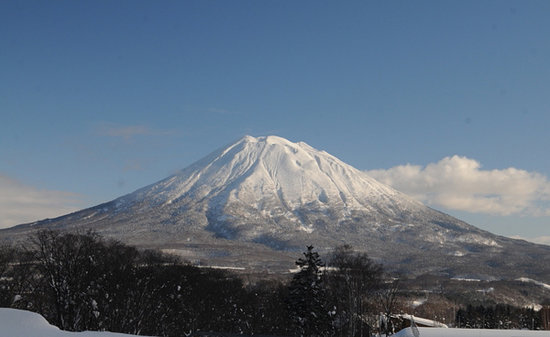 Kutchan-cho, Japan: Mt Yotei is just out the window