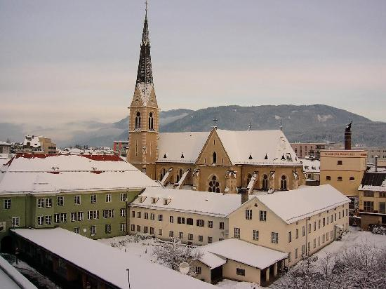 Holiday Inn Villach: This is the view from my room at the Holiday Inn.