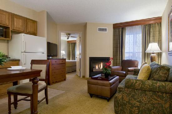 Homewood Suites by Hilton Midvale: Large Living Area