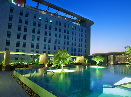 Aloft Abu Dhabi: Splash Pool & Exterior