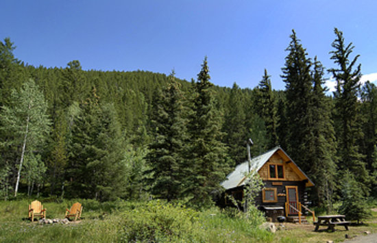 Pioneer Guest Cabins: Oh-Be Joyful Cabin in summer