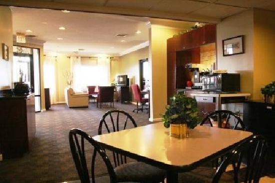 Super 8 Villa Rica: Enjoy our free SuperStart Breakfast 6am-10am