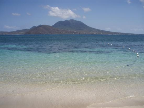 Бастер, Сент-Китс: The beach at st kitts