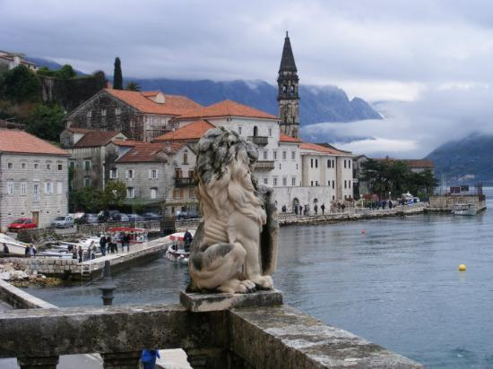 Restaurants in Perast