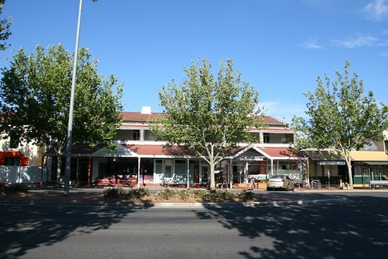 Adelaide Travellers Inn