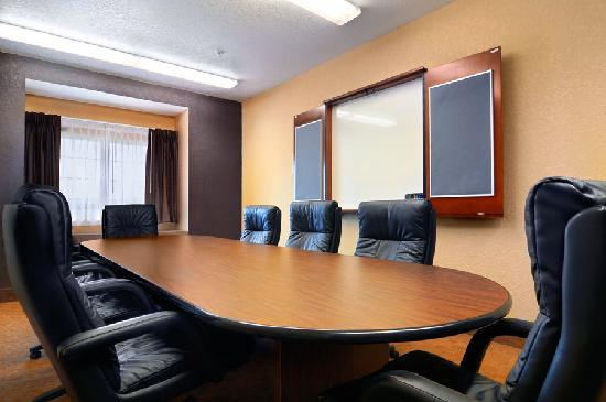Microtel Inn & Suites by Wyndham Canton: Meeting Space Available