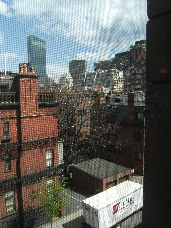 Commonwealth Court Guest House: View from my room (Gloucester St).
