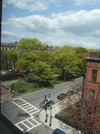 Commonwealth Court Guest House: View from my room (intersection of Gloucester St and Commonwealth Ave)