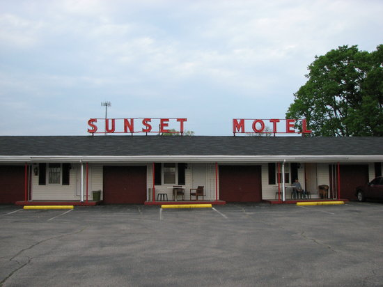 ‪Sunset Motel and Restaurant‬