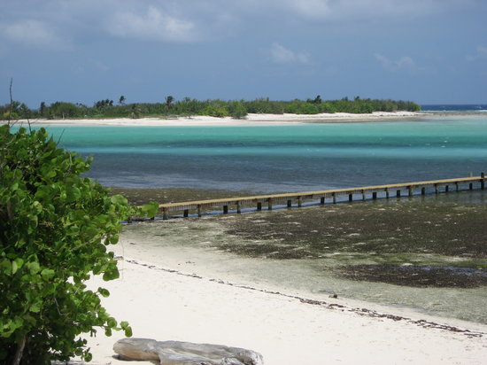 Little Cayman : Looking towards Owen island 