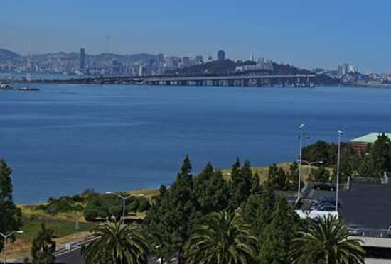 Hilton Garden Inn San Francisco/Oakland Bay Bridge: Breathtaking views of the San Francisco Bay