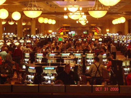 French Lick, Индиана: Inside the Casino on opening day.