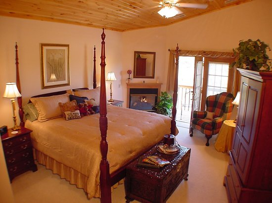 Berry Springs Lodge: Royal Springs Room