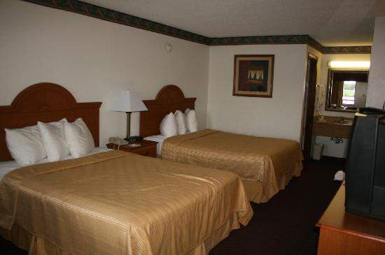 Quality Inn and Suites Mount Dora: Bedroom