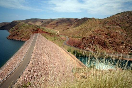 Kununurra, Αυστραλία: Dam at Argyle Lake (appreciate a lower level on the right)