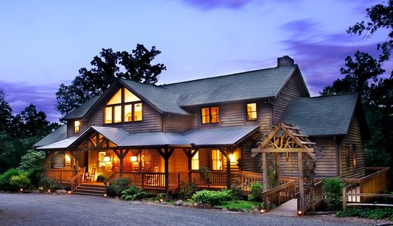 Bent Creek Lodge at Dusk