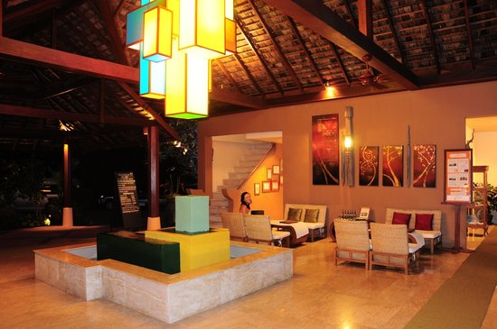 The Sunset Beach Resort & Spa, Taling Ngam: The lobby / Reception area