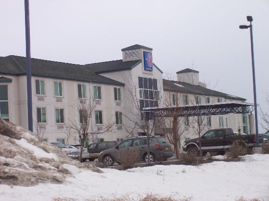 Motel 6 Anchorage Midtown: Front
