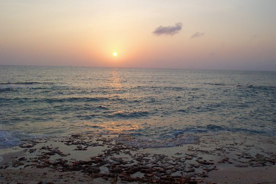 Grand Cayman: Sunset along West Bay 7MB area one afternoon