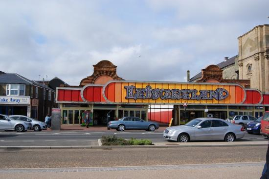 Great Yarmouth, UK: the seaside road