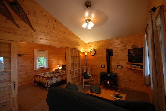 Cabins at Lopstick: Osprey Cabin