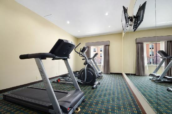 Days Inn &amp; Suites Mineral Wells: 24 hr Onsite Fitness/Exercise Center
