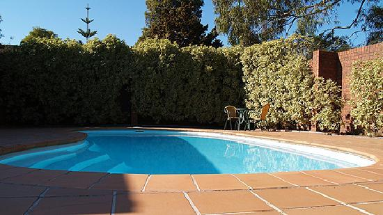 Pool Side Picture Of Nunawading Motor Inn Melbourne Tripadvisor