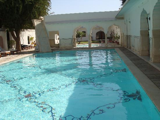 Samode Bagh: swimming pool
