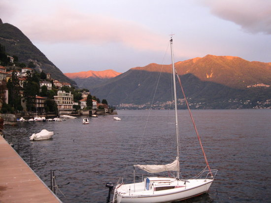 Tremezzo, Italy: lake como sunset