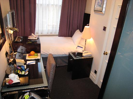 My small hotel room picture of shaftesbury premier for Small hotel room