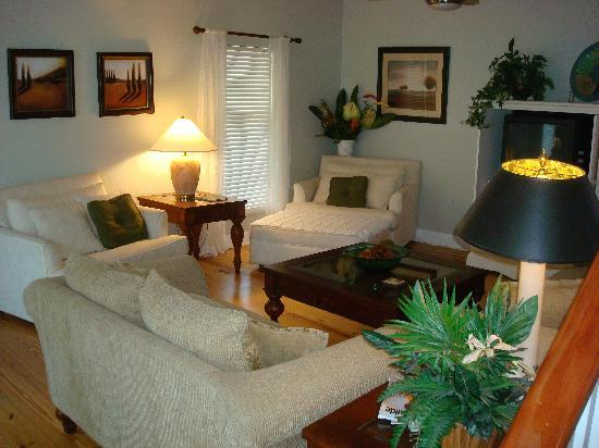The Anchor Inn: Family room, cozy