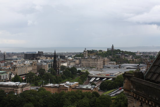 Edinburgh, UK: Beautiful view from the castle